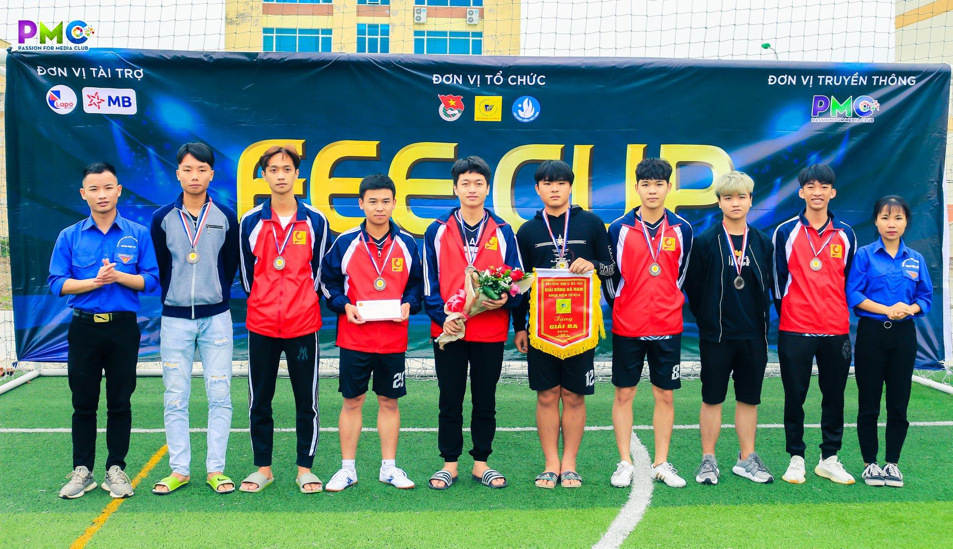 Chung kết giải bóng đá nam sinh viên khoa Điện tử cơ sở Hà Nam lần thứ V