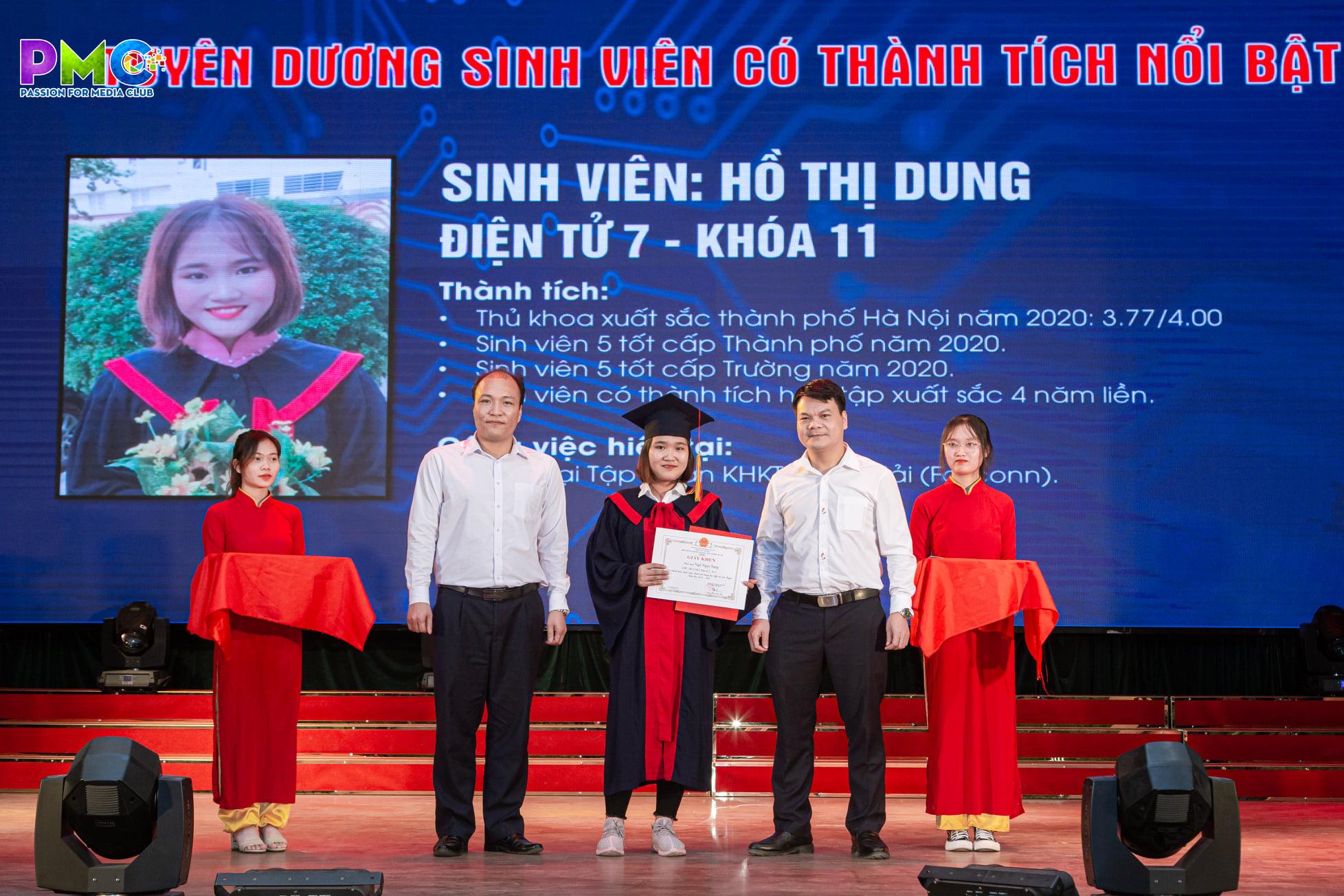 Lễ bế giảng và trao bằng tốt nghiệp hệ Đại học chính qui khóa 11