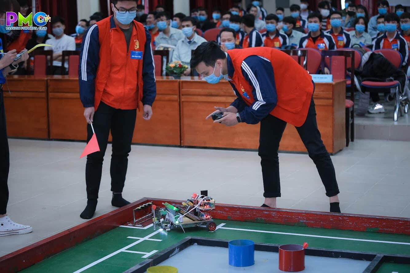 Cuộc thi sáng tạo Robot mini khoa Điện tử lần thứ X