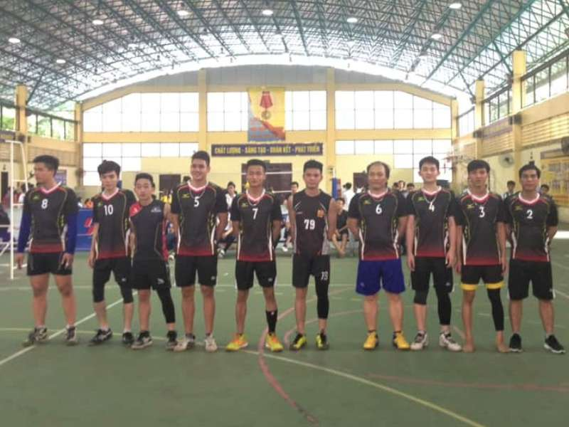 Đội tuyển bóng chuyền nam Liên quân khoa Điện tử đã lọt vào trận chung kết