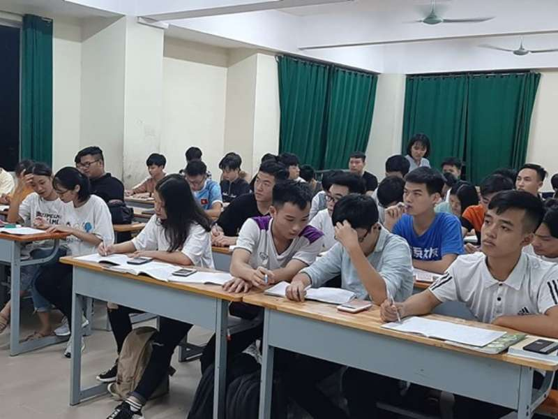 Câu lạc bộ học tập sinh viên khoa Điện tử sau 2 tuần triển khai học tập
