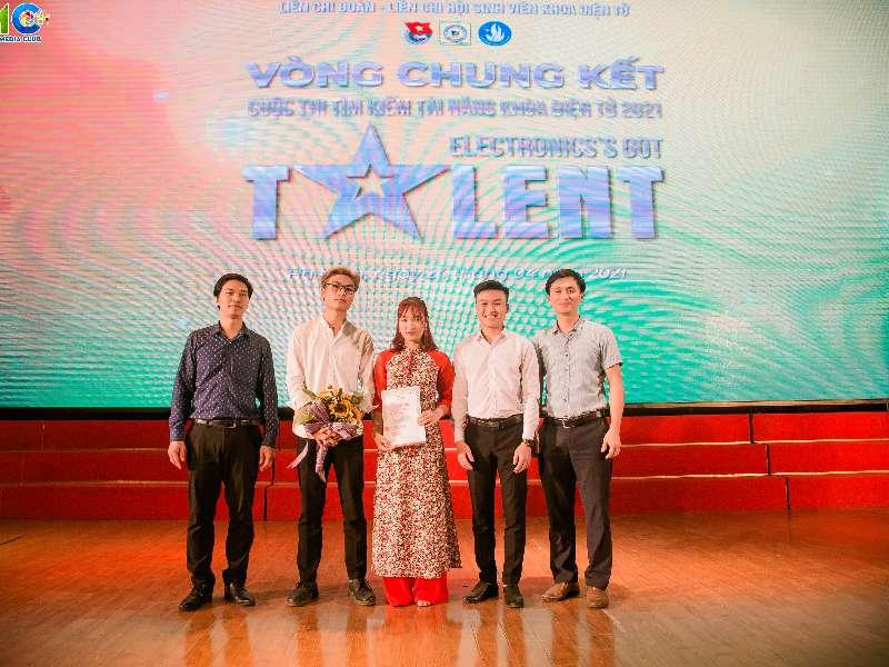 """Vòng chung kết cuộc thi """"Tìm kiếm tài năng khoa Điện tử 2021 - Electronic's Got Talent"""""""