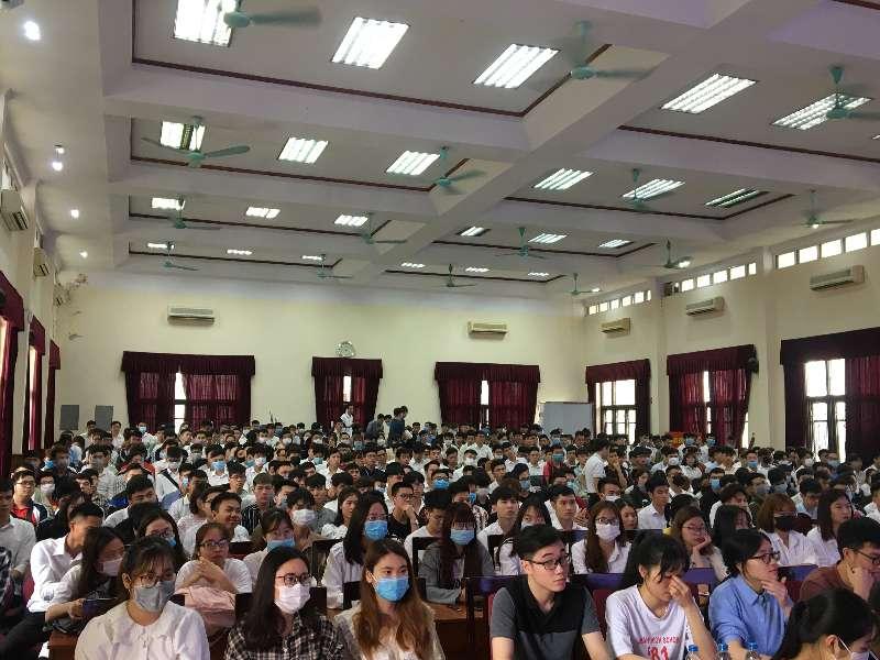Chương trình tuyển sinh lớp kỹ sư chuyên ban 1 năm Foxconn của Tập đoàn KHKT Hồng Hải